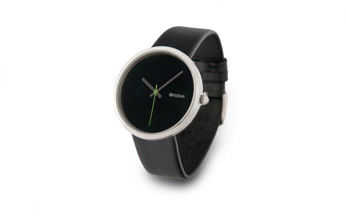 Часы женские, черные