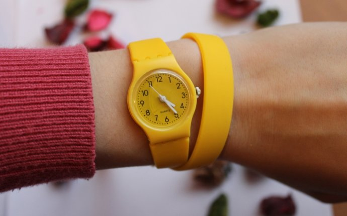 Товары. Часы Swatch с длинным