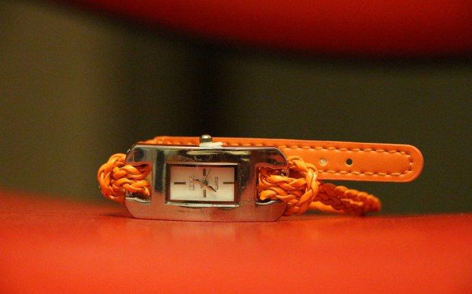 Купить стильные женские часы с