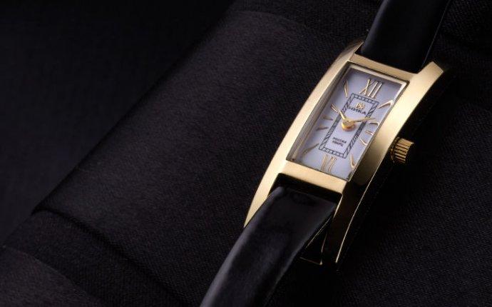 Золотые часы женские яшма